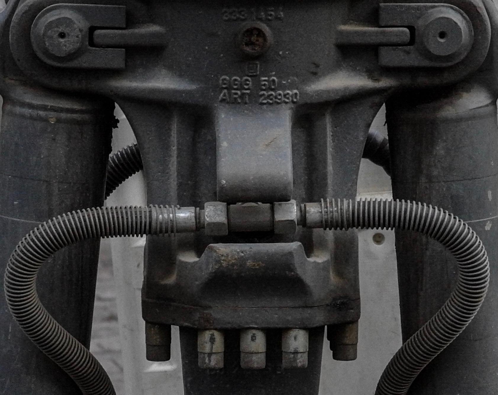 Gleisstück Radbagger mit Greifer