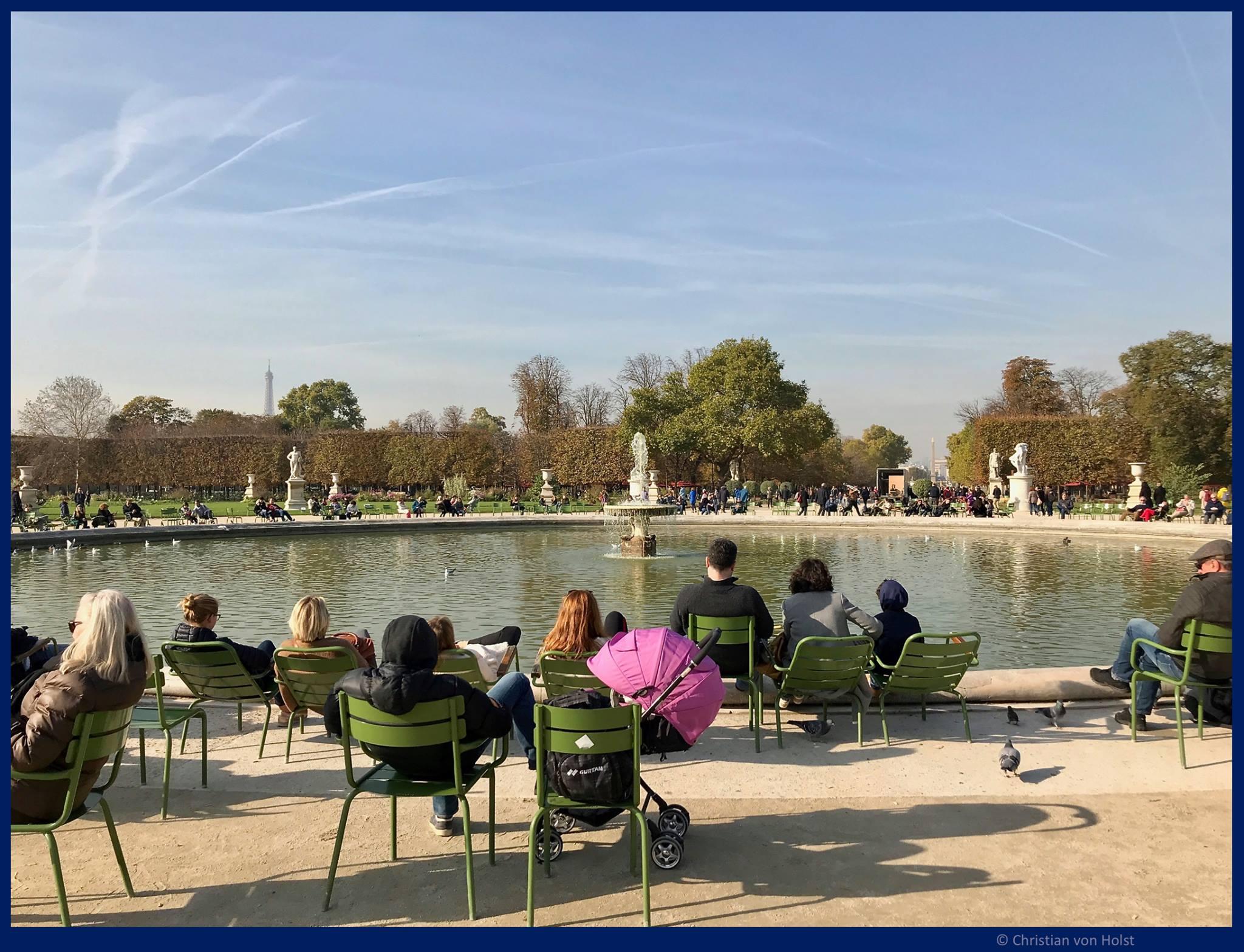 Kreisrunder See im Jardin des des Tuileries in Paris als Beispiel