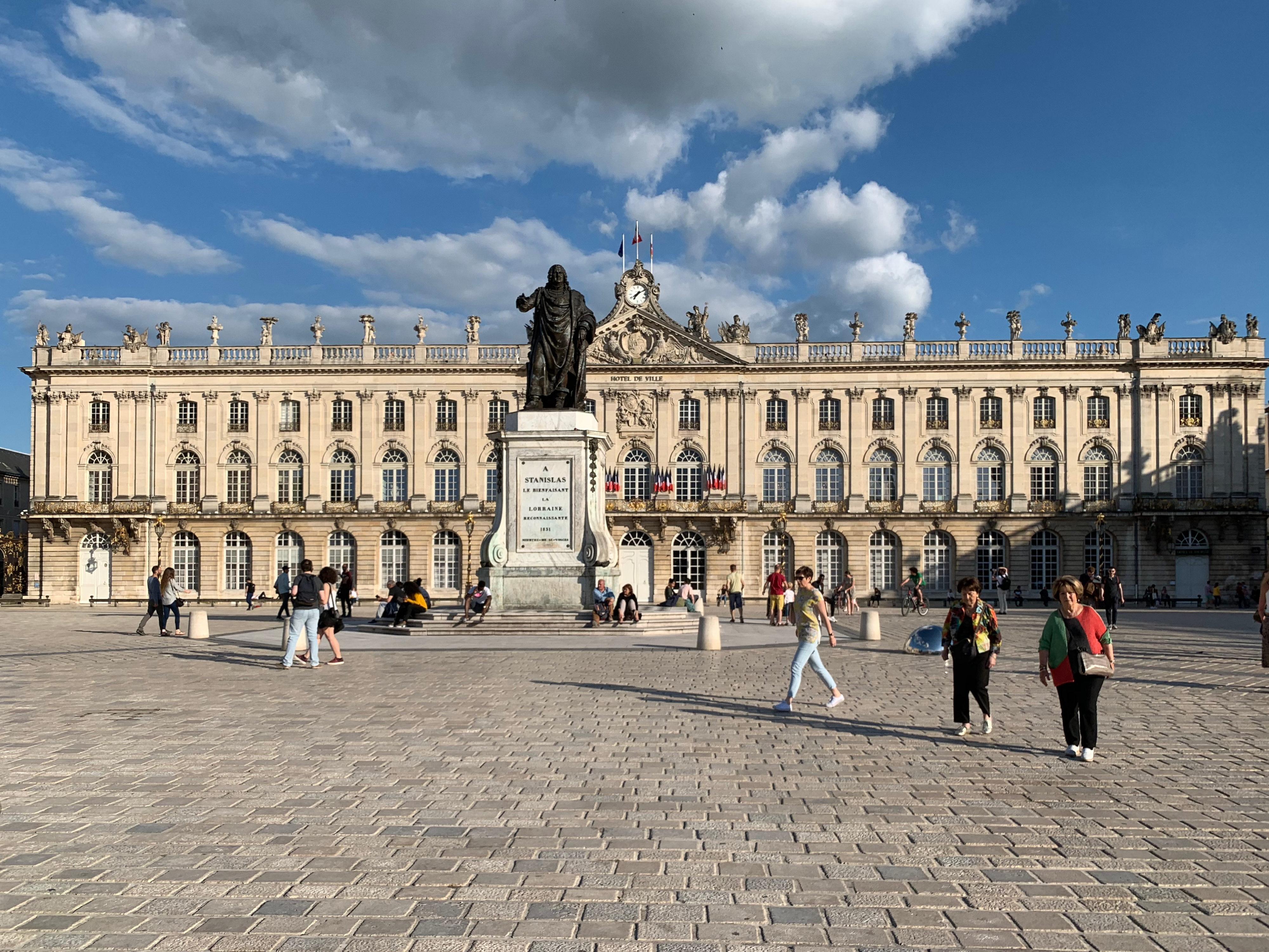 Nancy als Zwischenstation zu den Schlössern an der Loire  – Place Stanislas