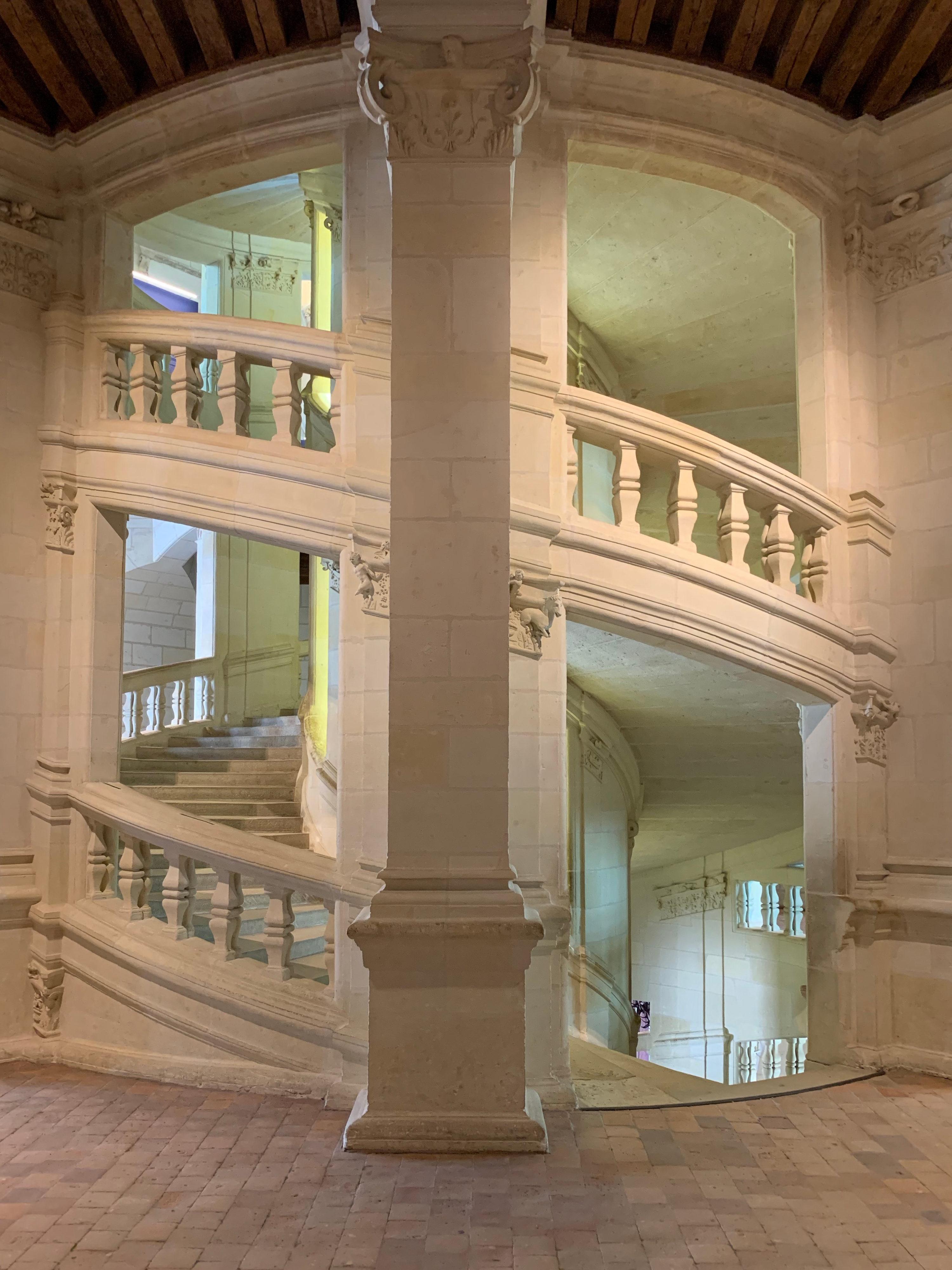 Chambord, das weltweit einmalige Schloss doppelläufige Wendeltreppe