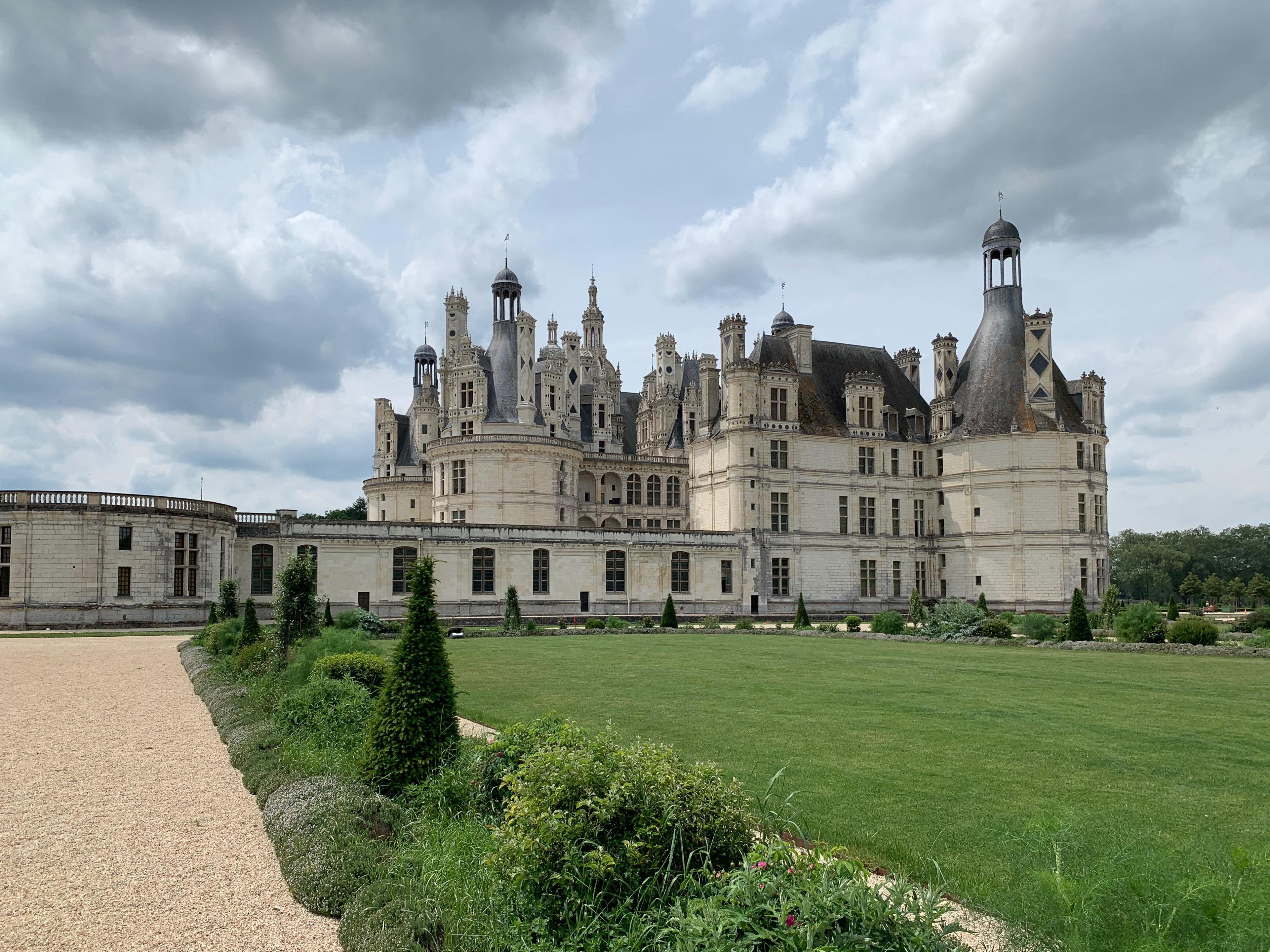Chambord, das weltweit einmalige Schloss von Osten