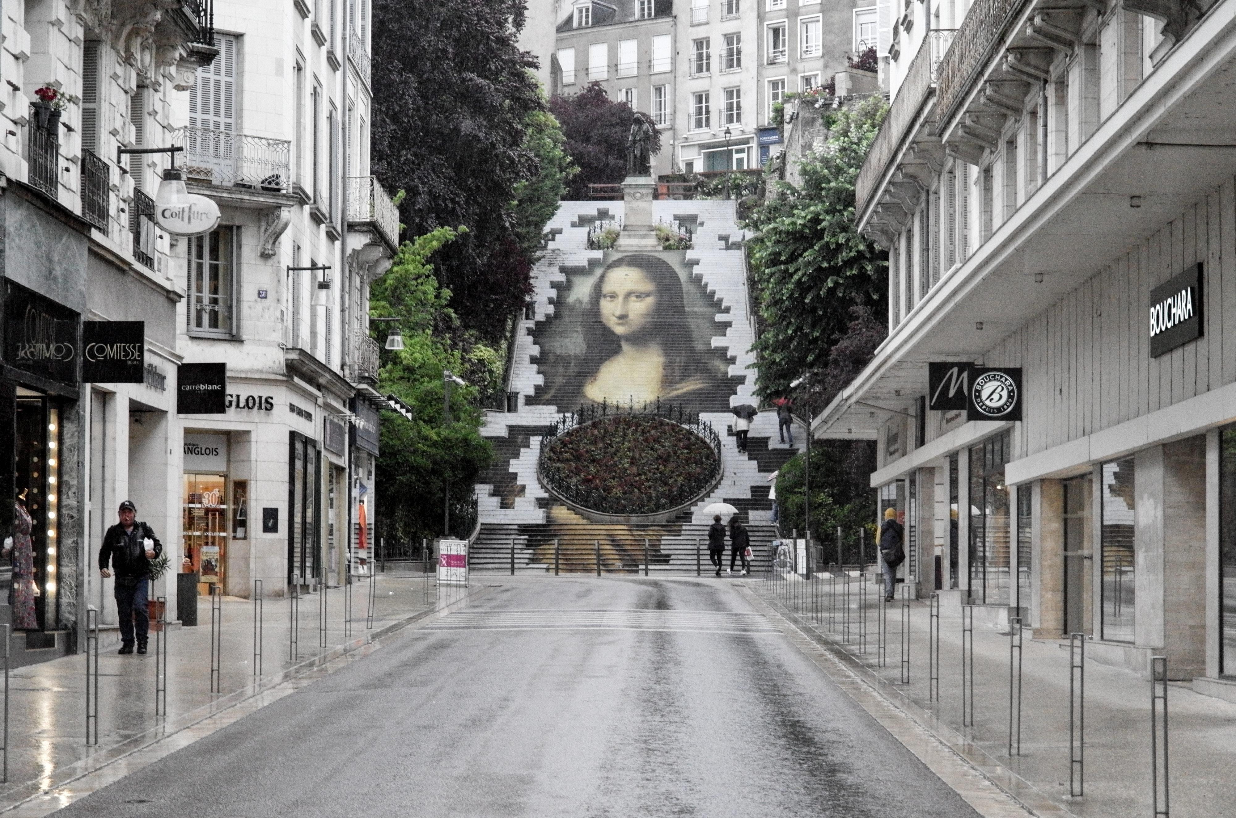 Blois Mona Lisa fast perfekt im Freien