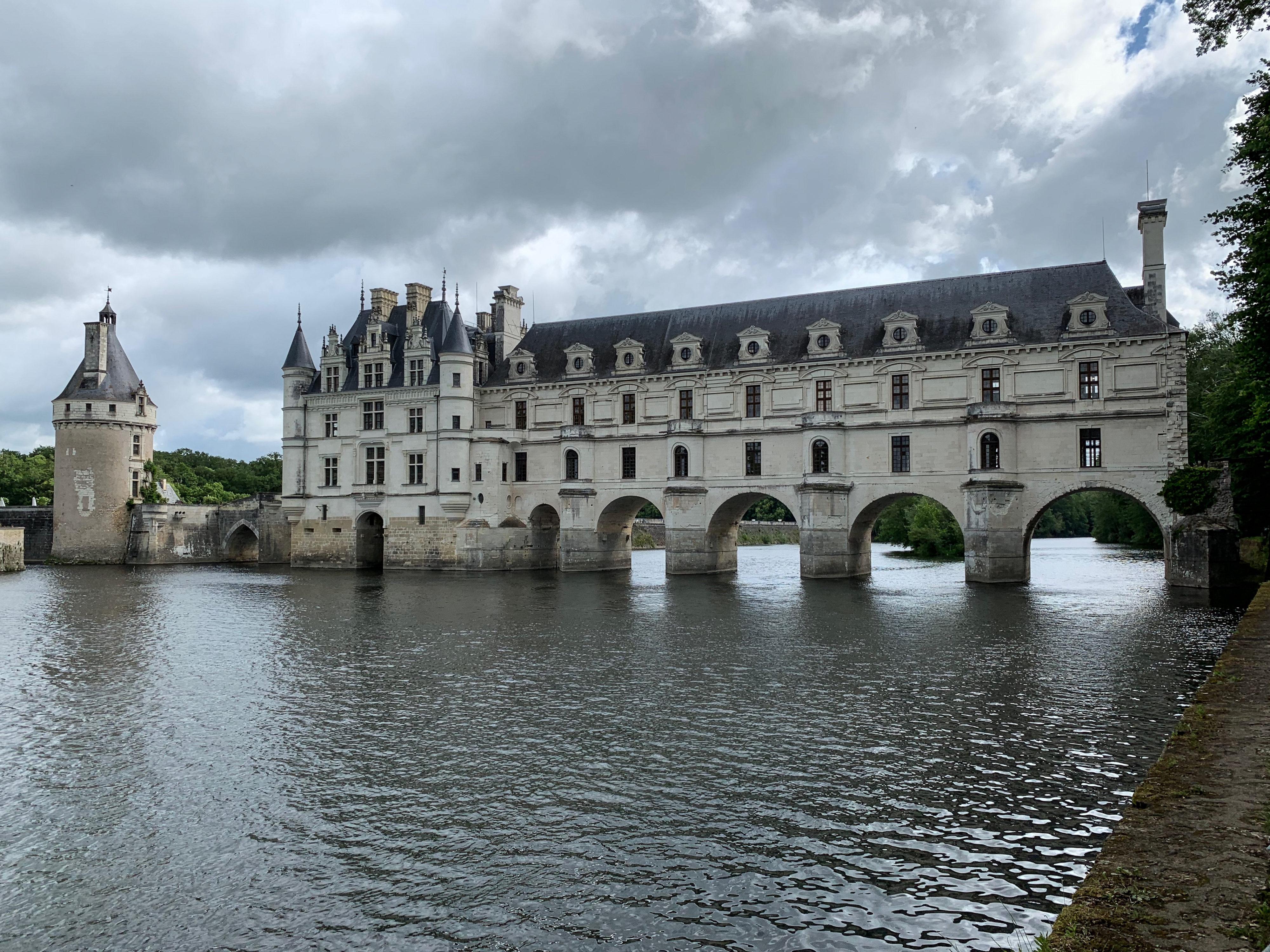 Chenonceau, das nach Versailles bietest Schloss Brückenbau von Katharina de Medici