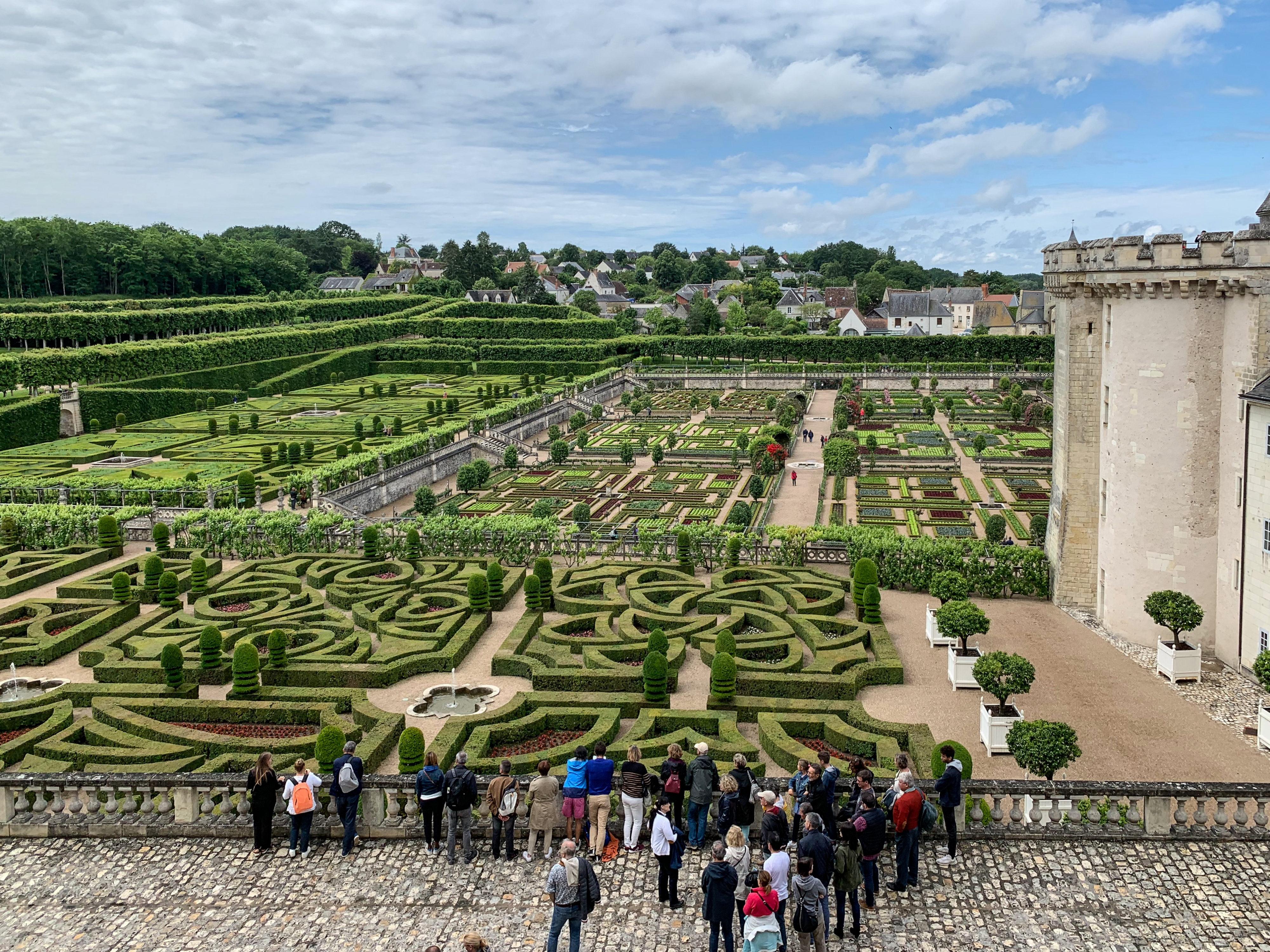 Villandry, eine Art Paradies für Gartenfreunde gesehen von der Terrasse
