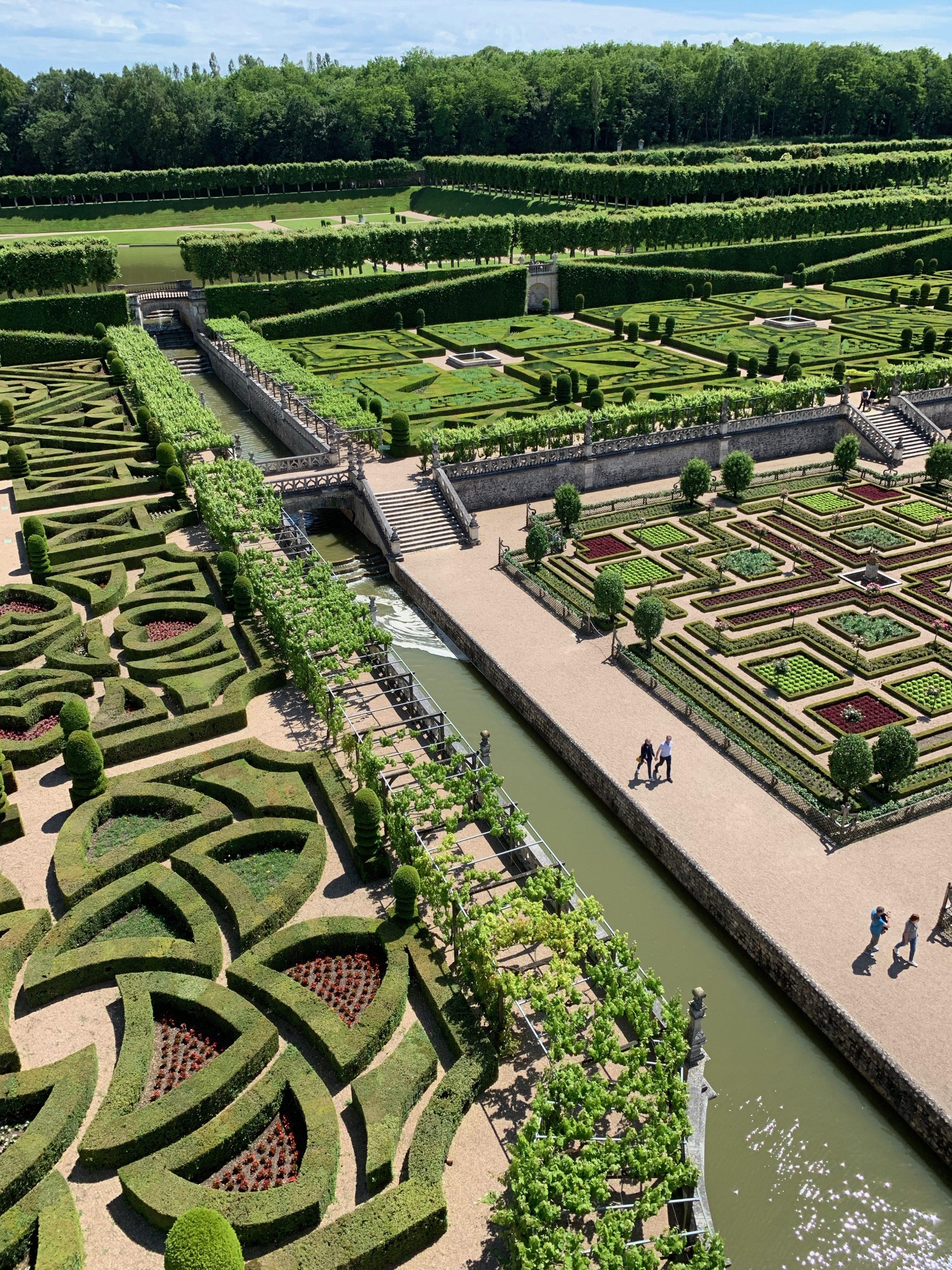 Villandry, eine Art Paradies für Gartenfreunde Blick vom Schlossturm