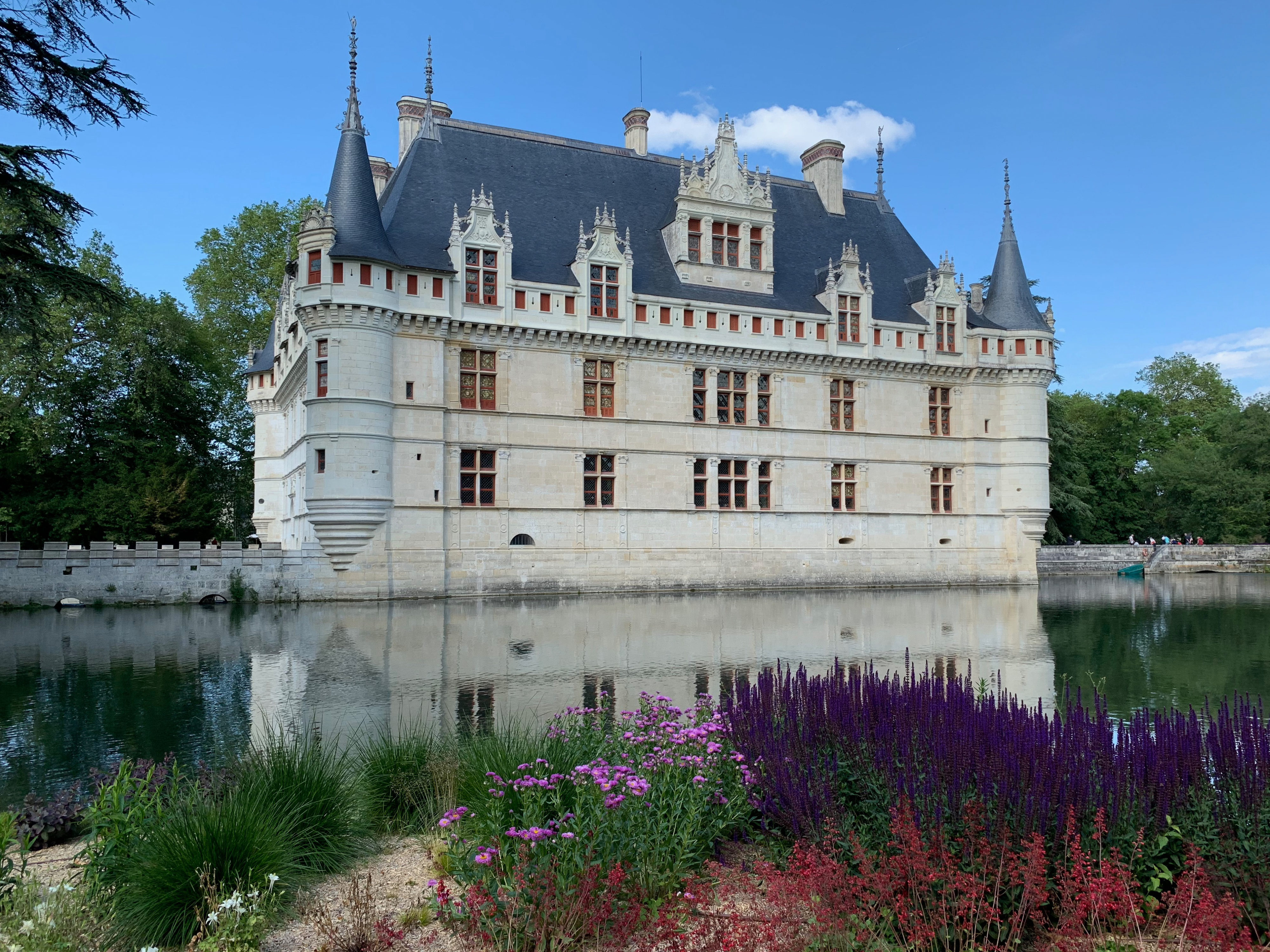 Azay-le-Rideau, das vom Indre umflossene Renaissance-Schloss