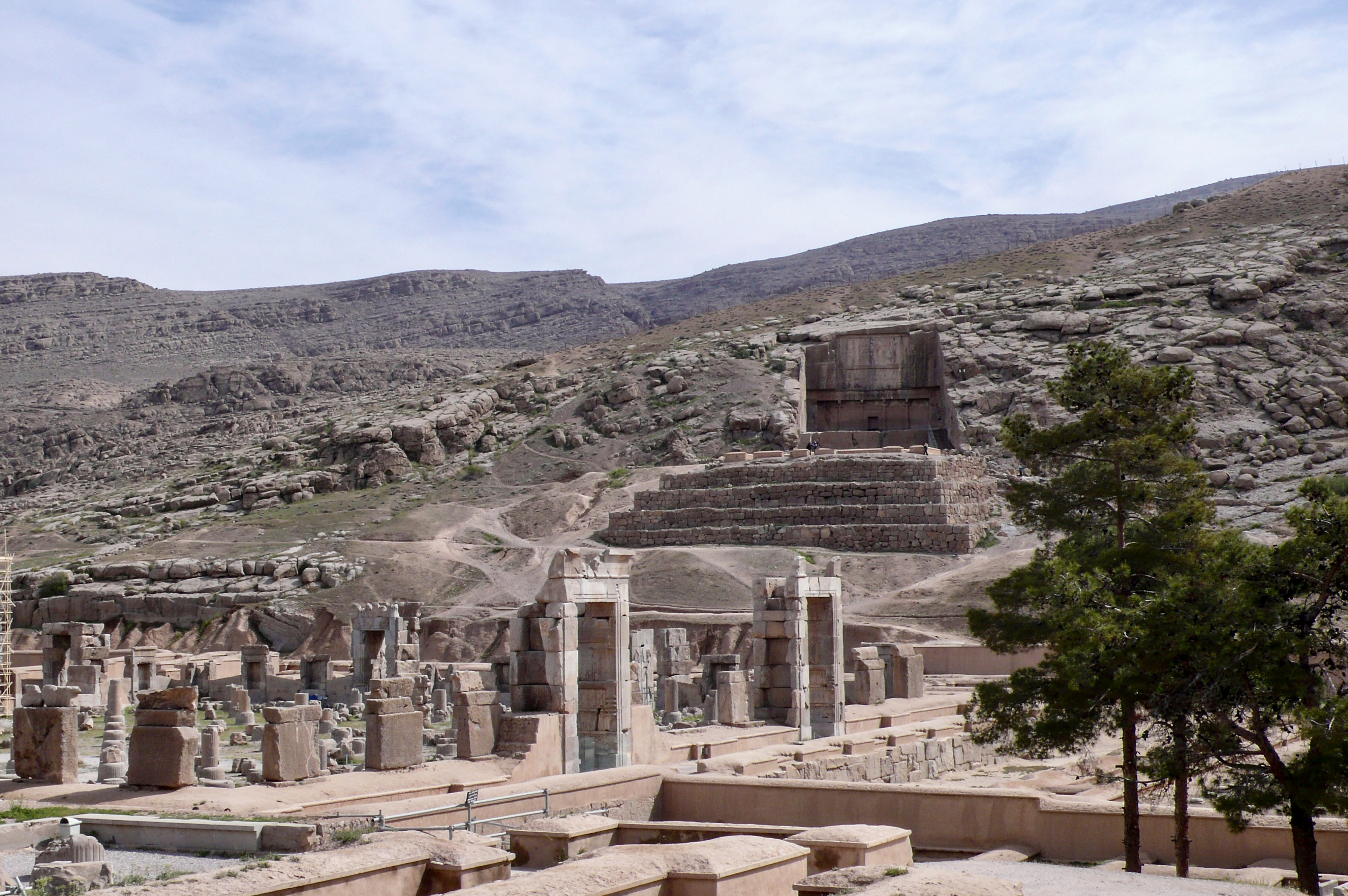 Iranische Kulturstätten in Gefahr? Persepolis Grabmal Artaxerxes