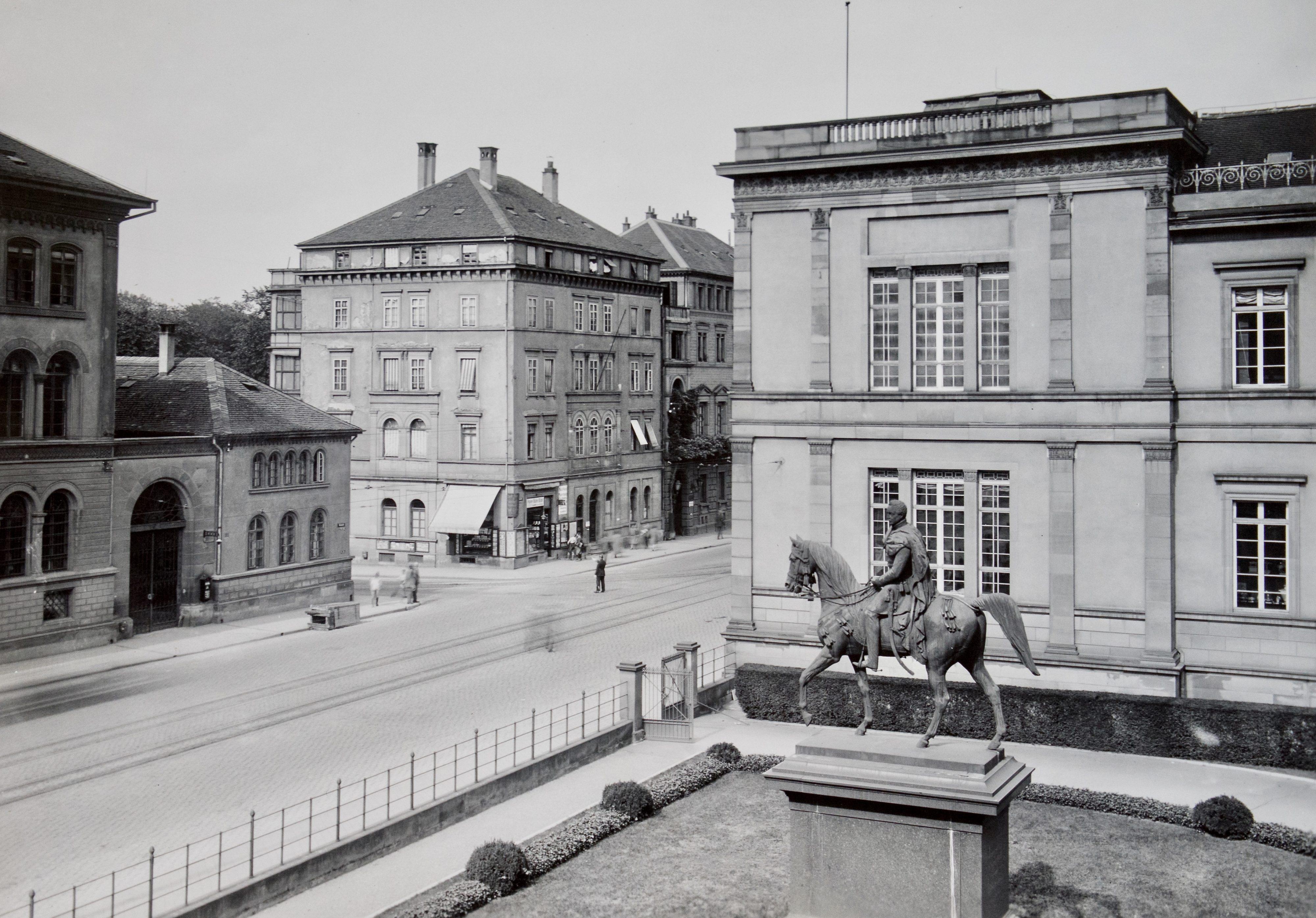 Kulturmeile: Münze und Alte Staatsgalerie um 1900