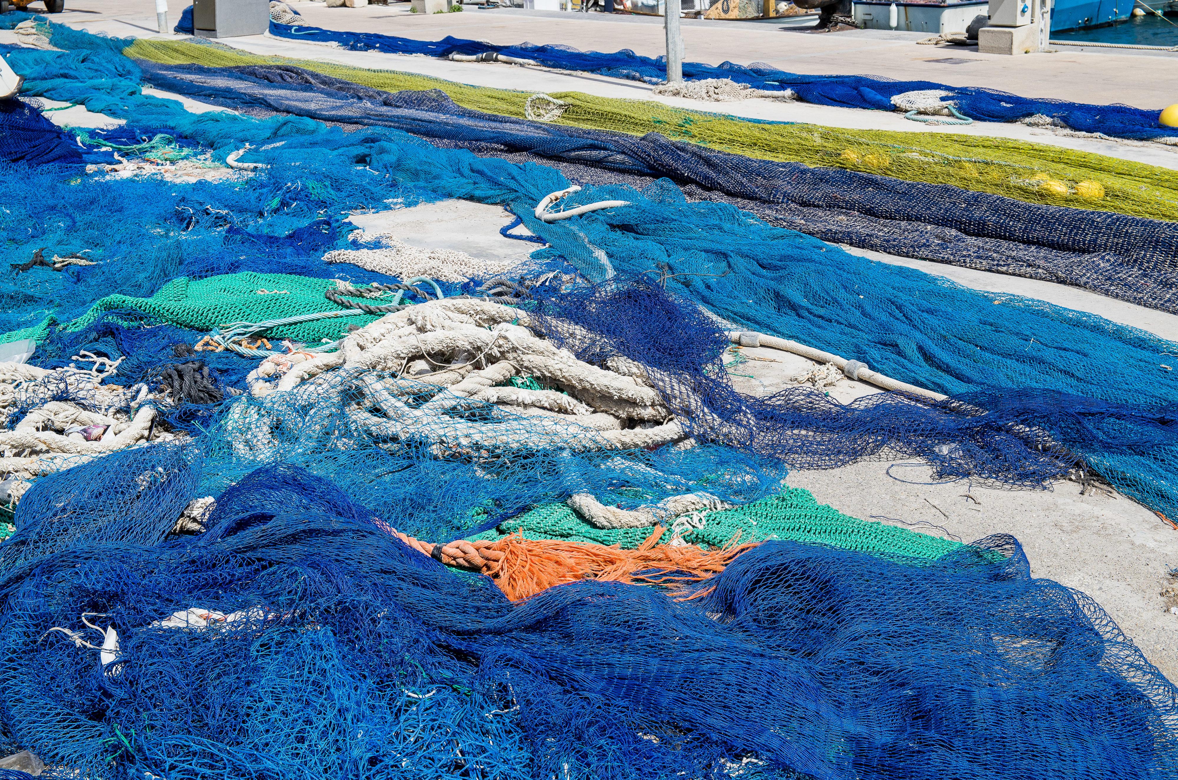 Port de Sóller Farbengedicht Fischernetze