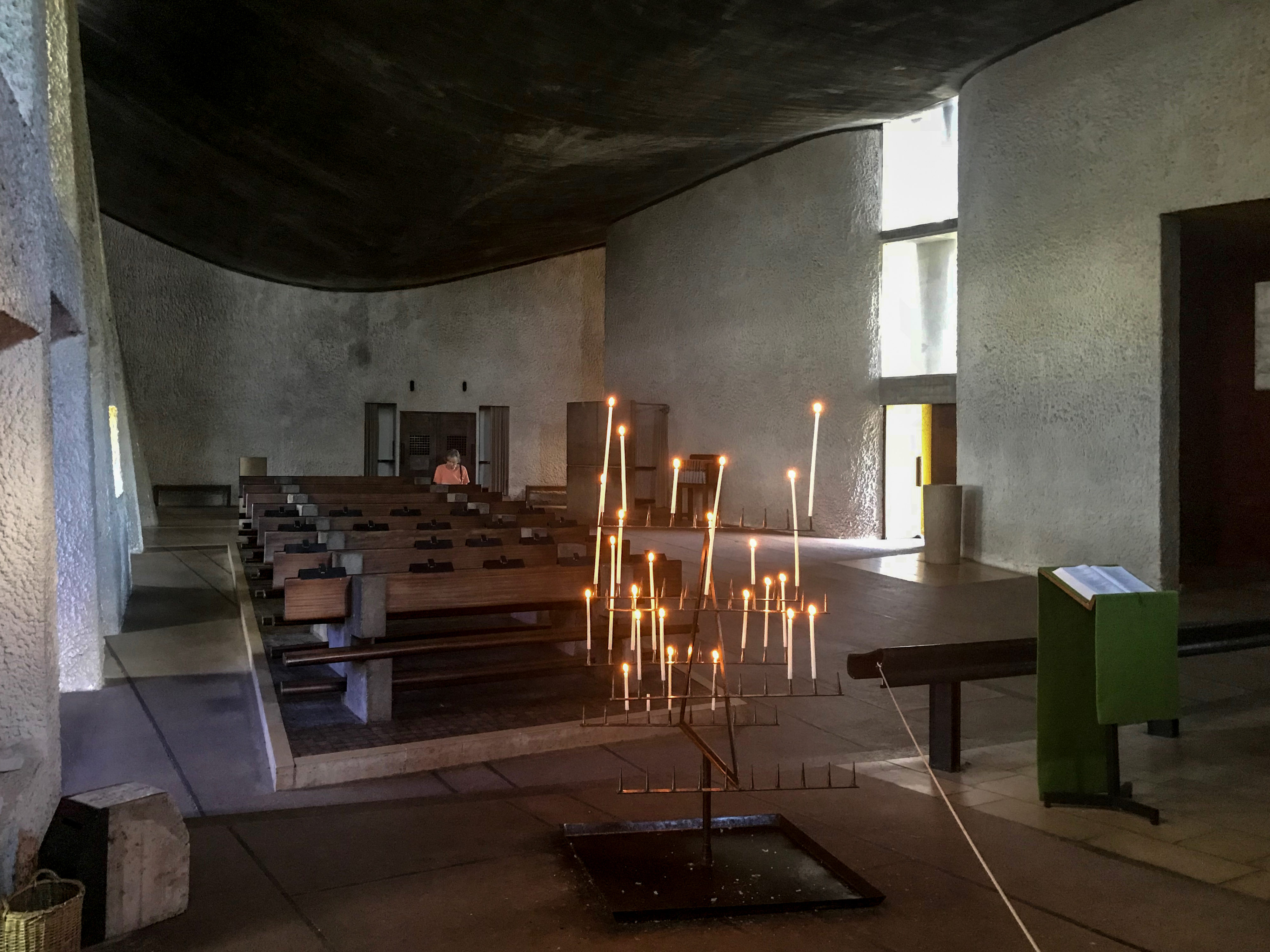 Ronchamp Innenraum vom Altar