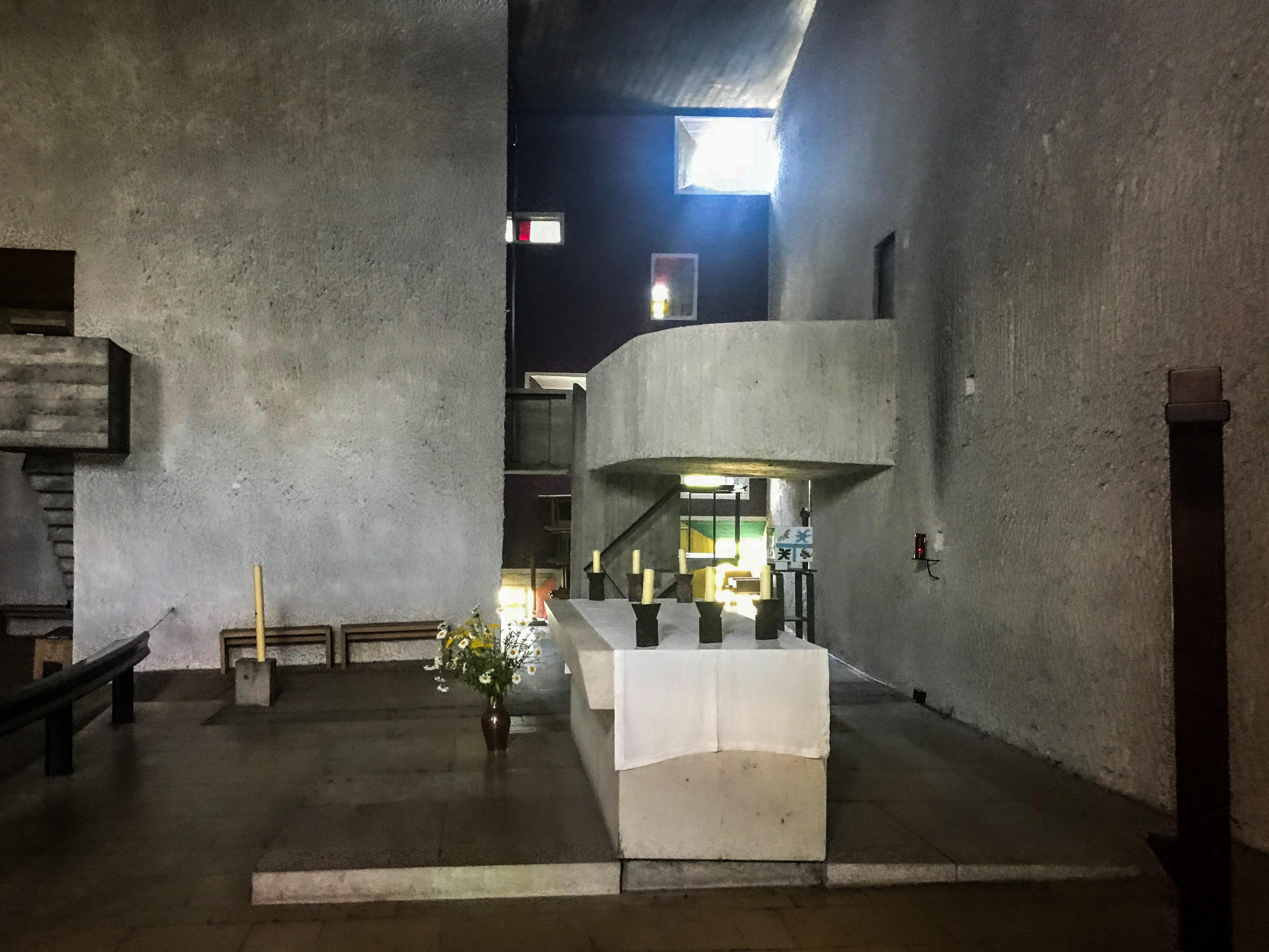 Ronchamp Altarbereiche innen