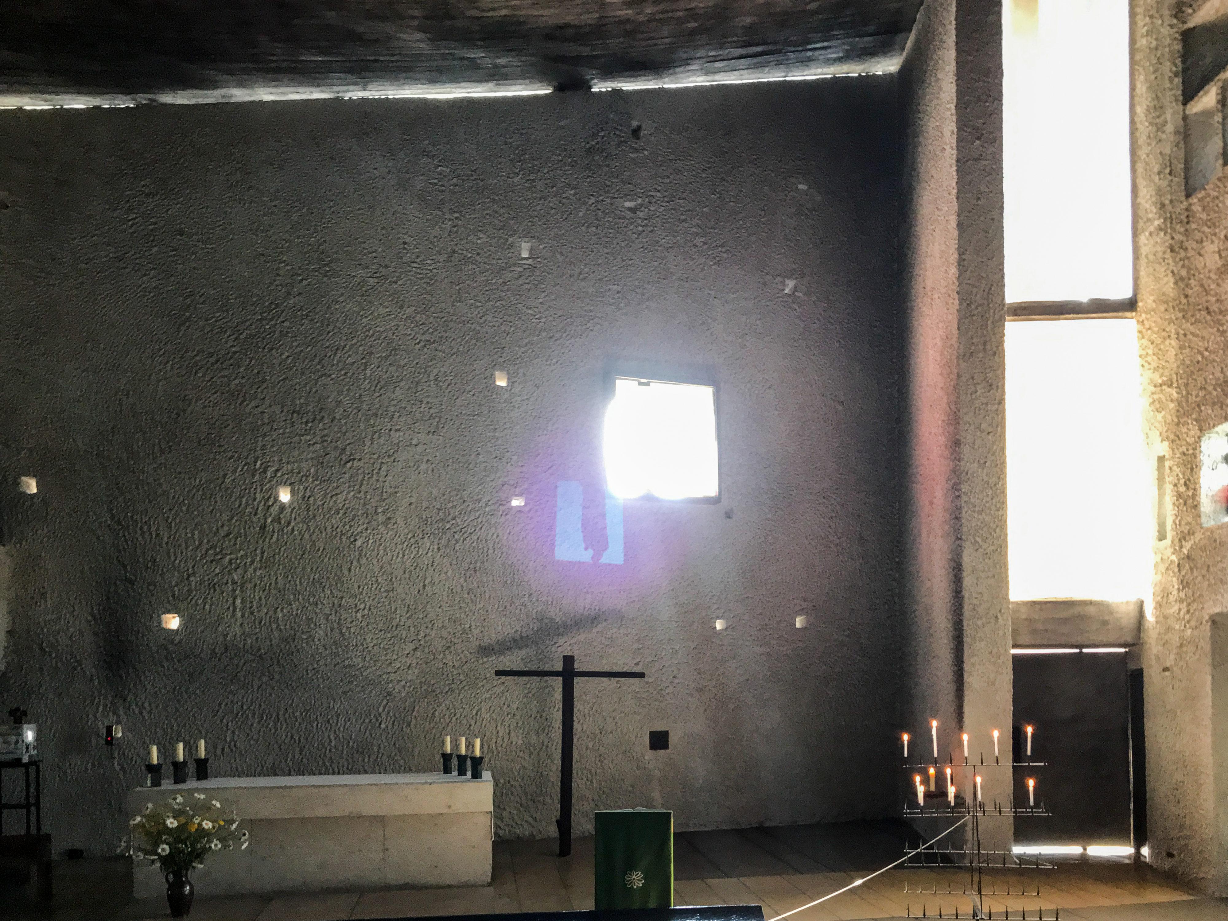 Ronchamp – Wände am Morgen Ostseite