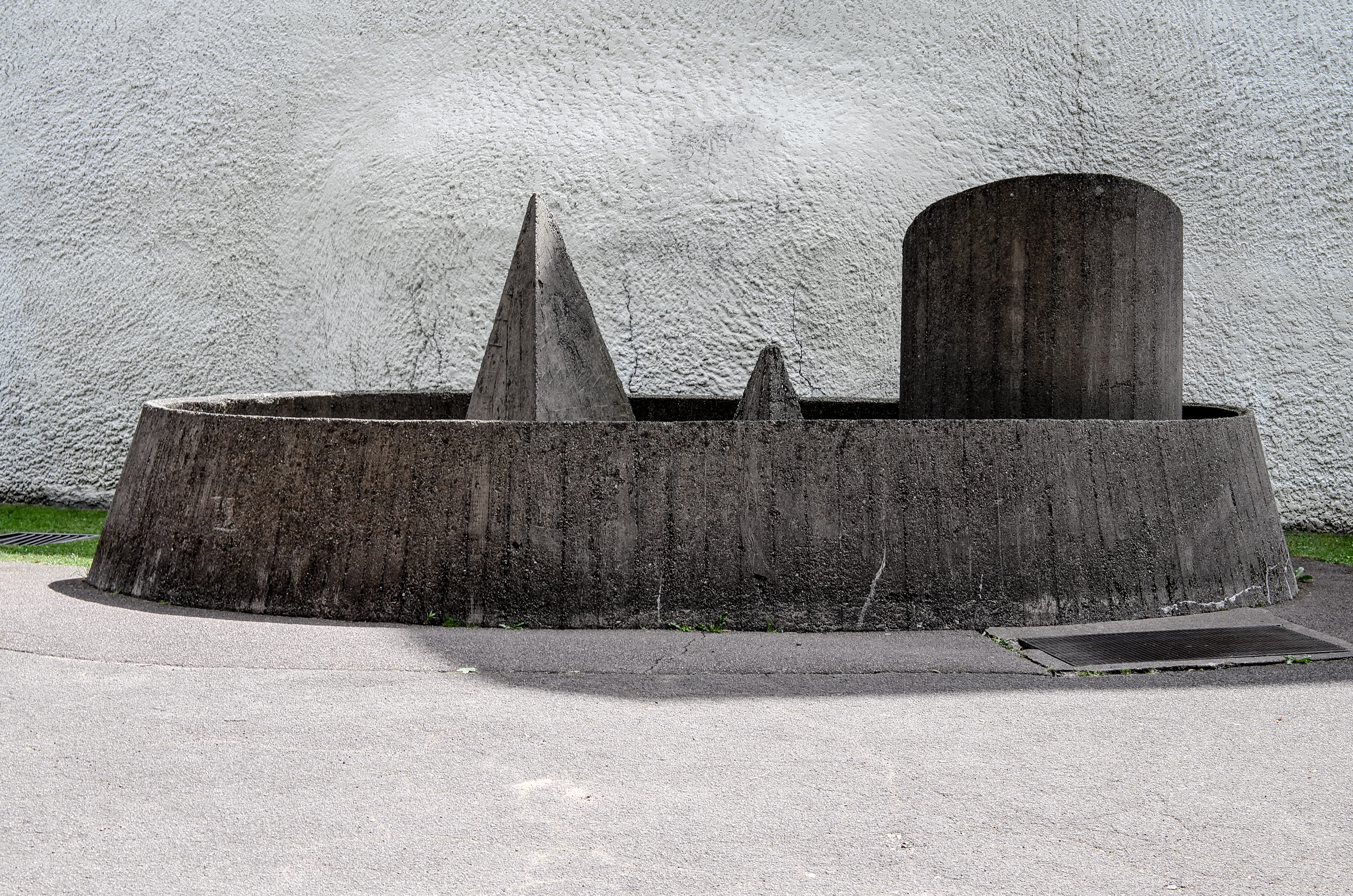 Brunnenskulptur von Le Corbusier