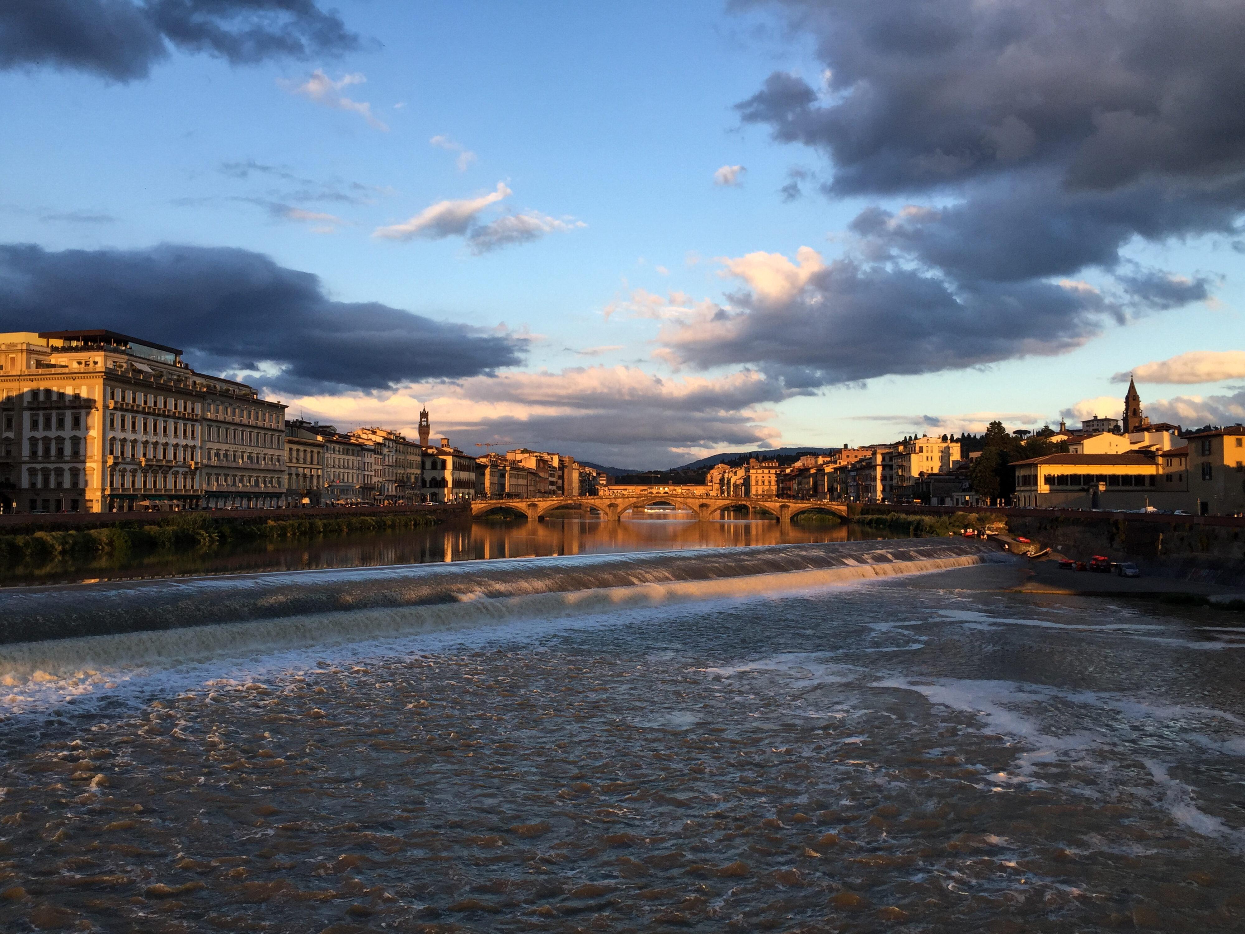Arno am Abend bei Pescaia di Santa Rosa