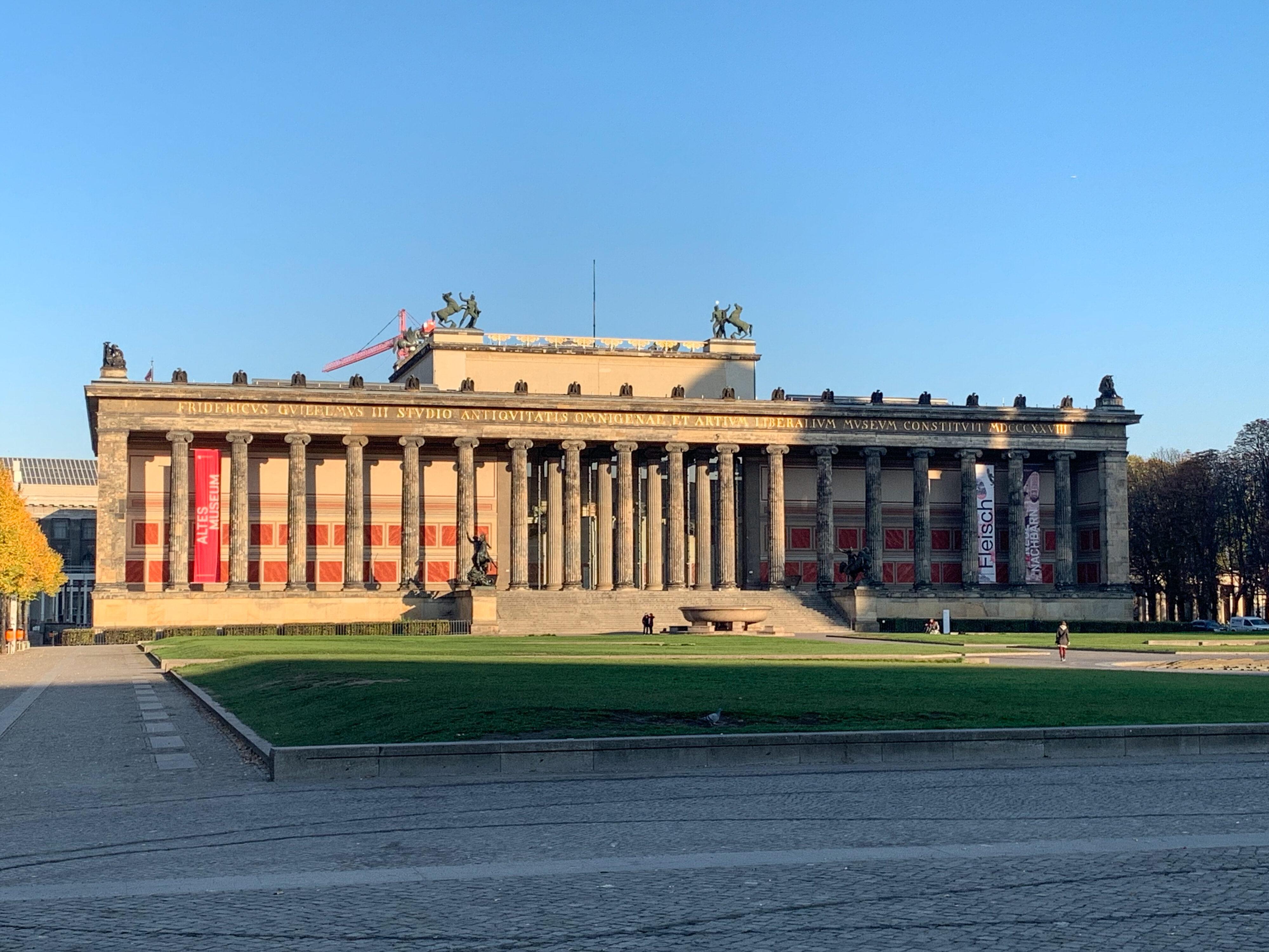 Ein Humboldt'scher Rundgang in Berlins Mitte Altes Museum