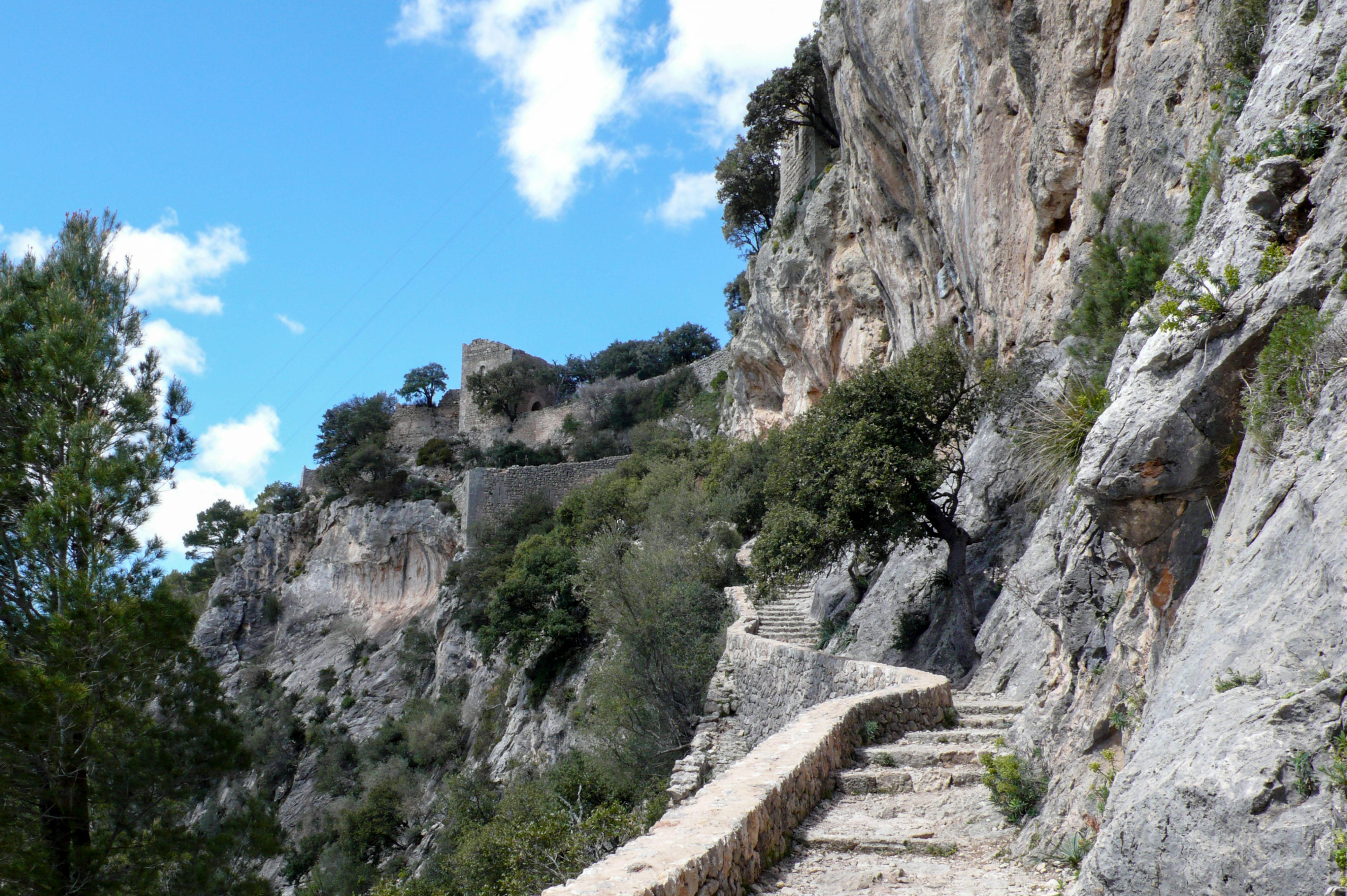 Castell d'Alaró im Landesinneren Aufstieg
