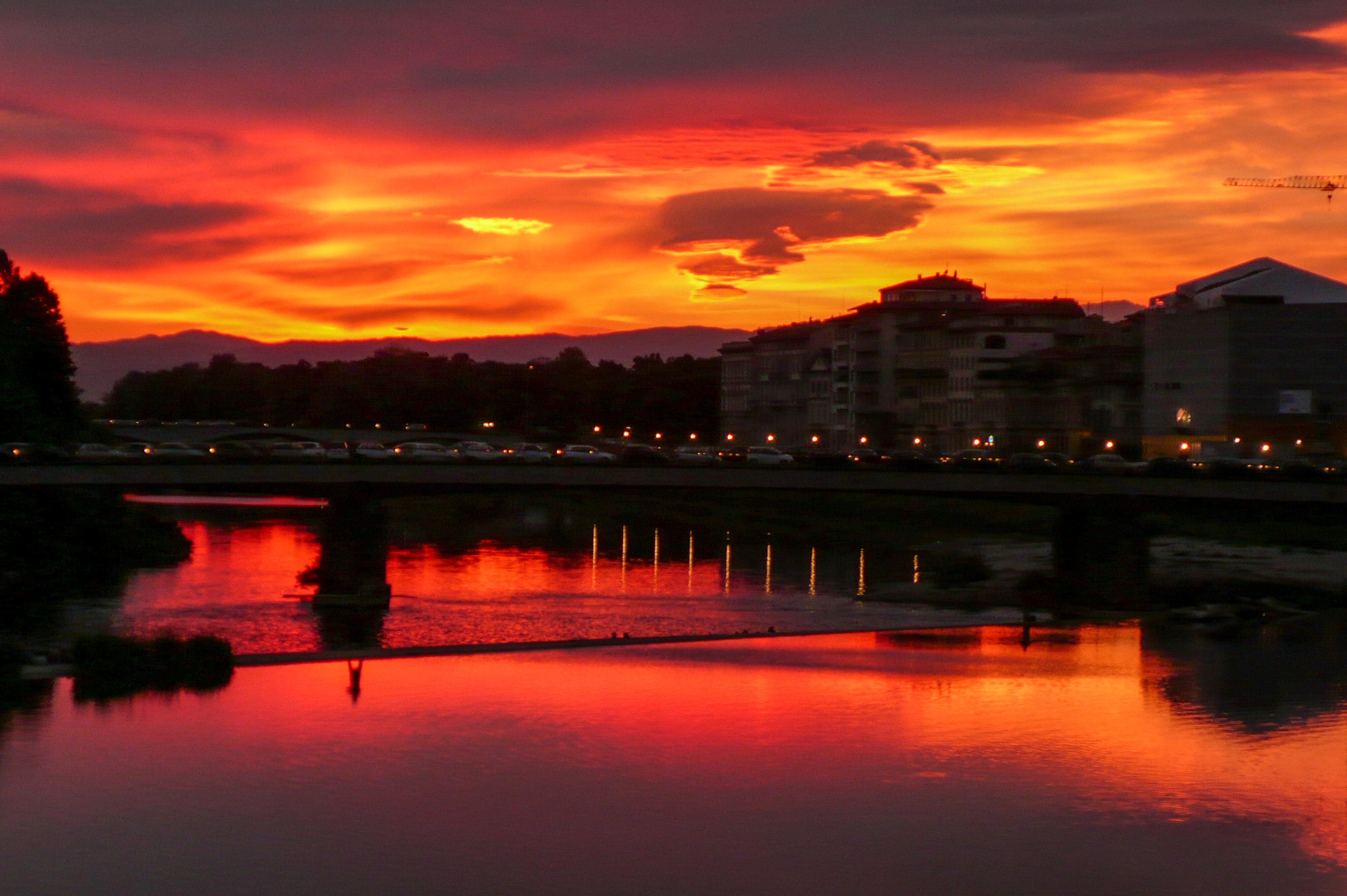 Arno Sonnenuntergang über Pescaia di Santa Rosa