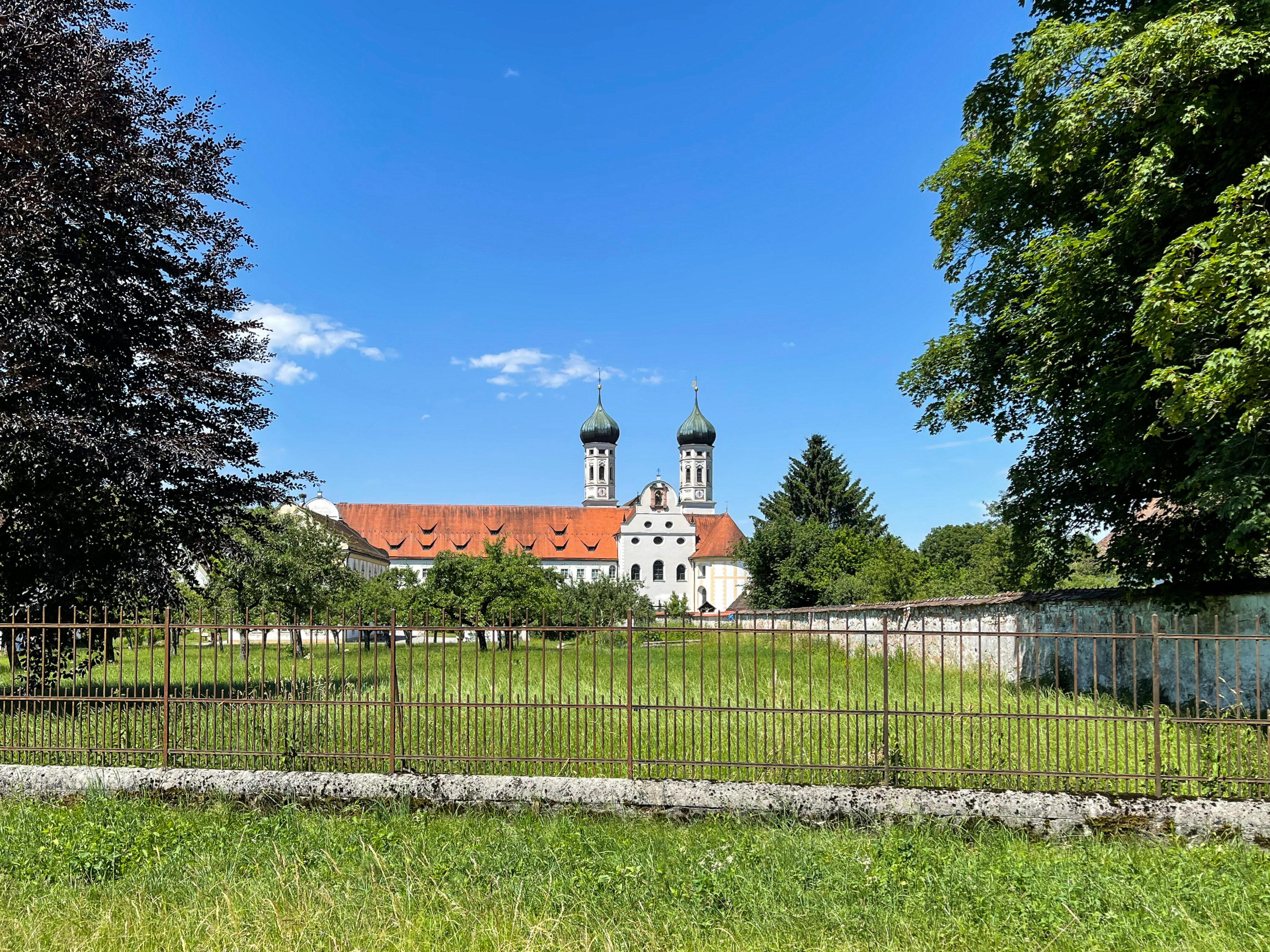Ferien auf dem Bauernhof bei Kochel am See: Kloster benediktbeuren