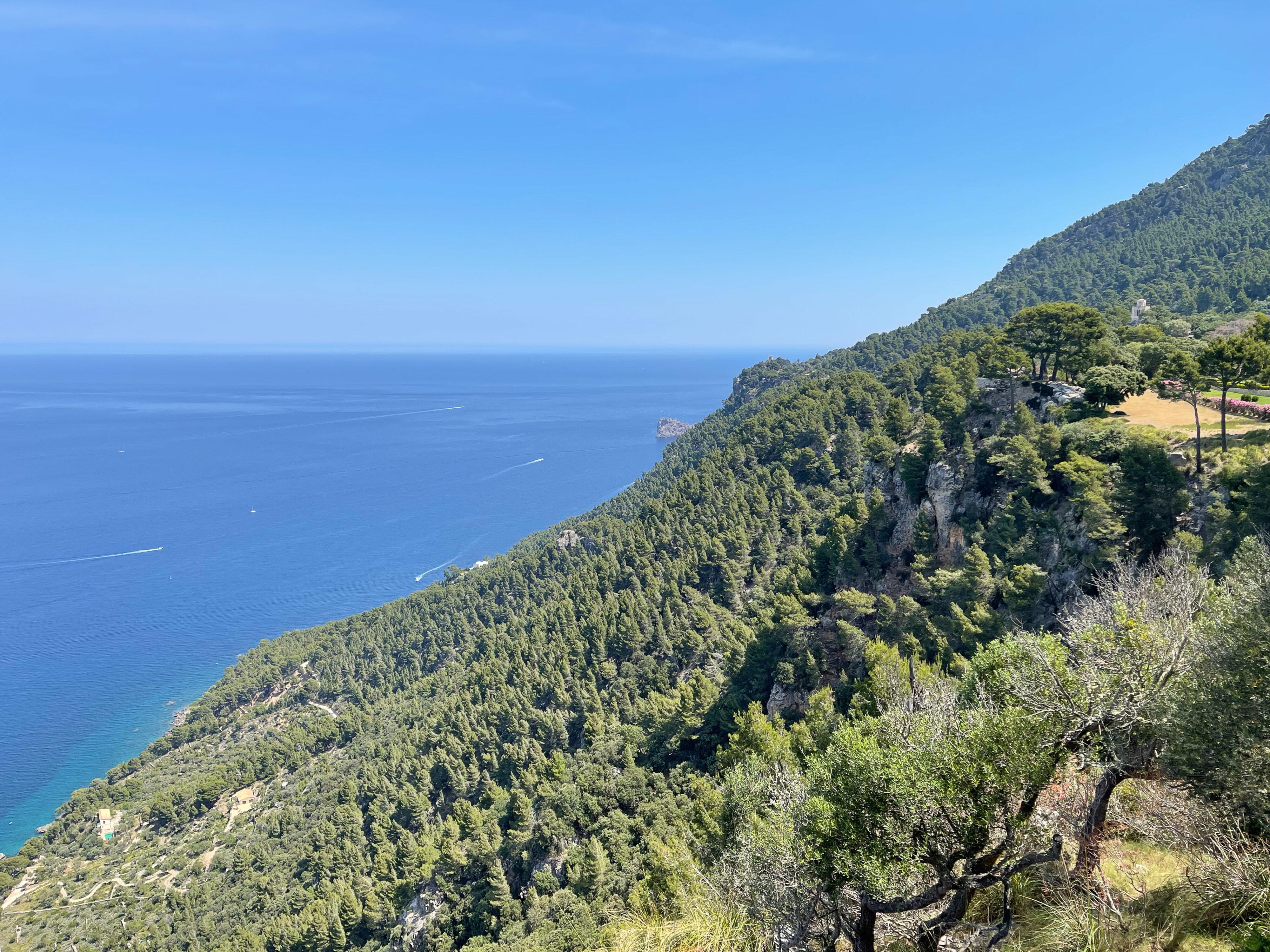 Küstenblick bis zur Na Foradada