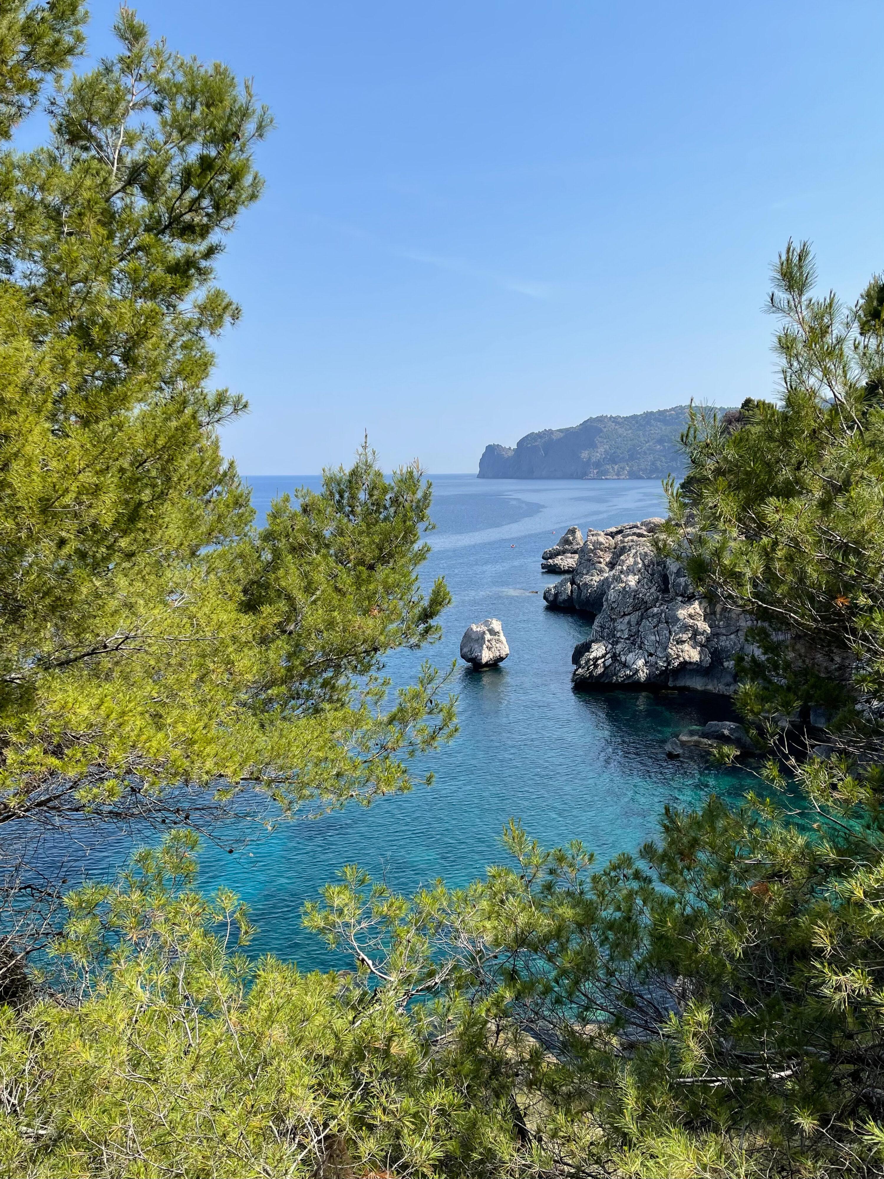 Aufstieg kurz nach der Bucht von Deià