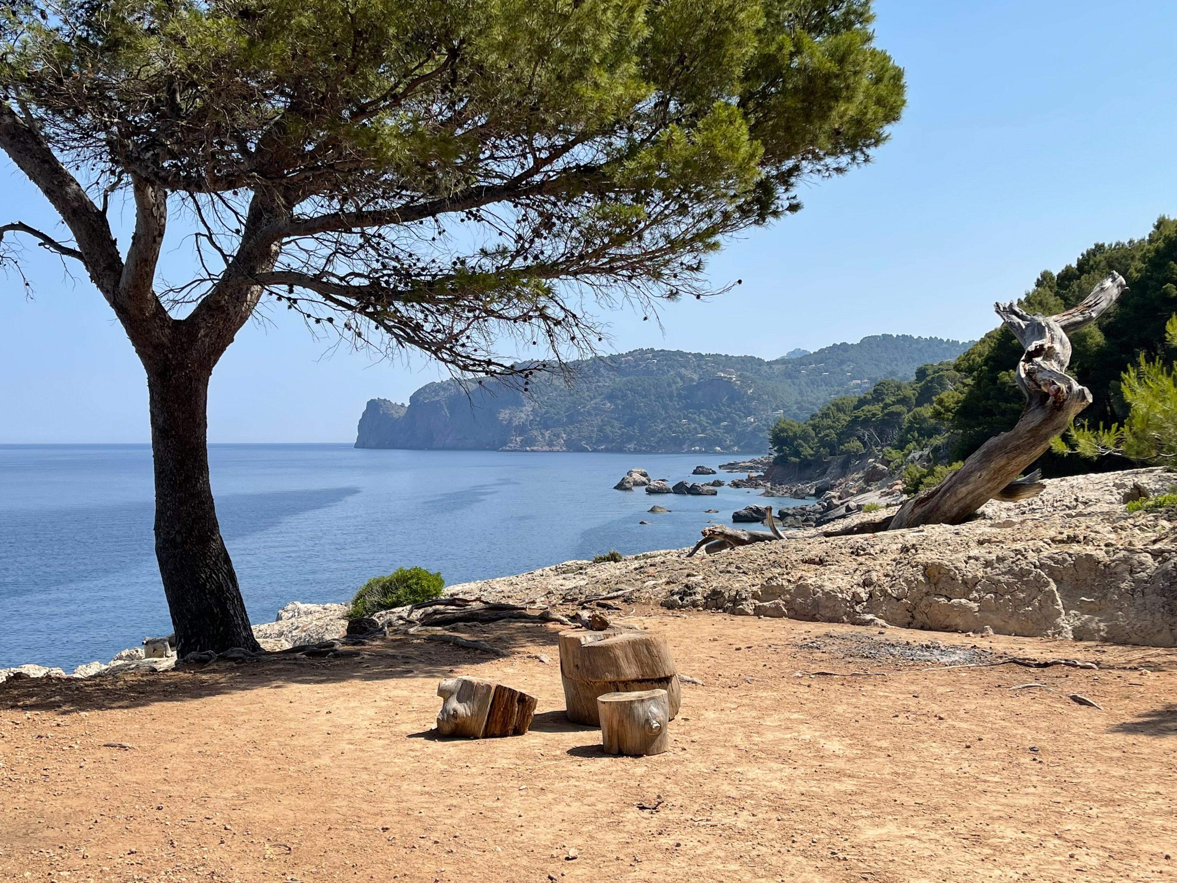 Küstenwanderung Cala de Deià-Llucalcari: eine urige Erfahrung