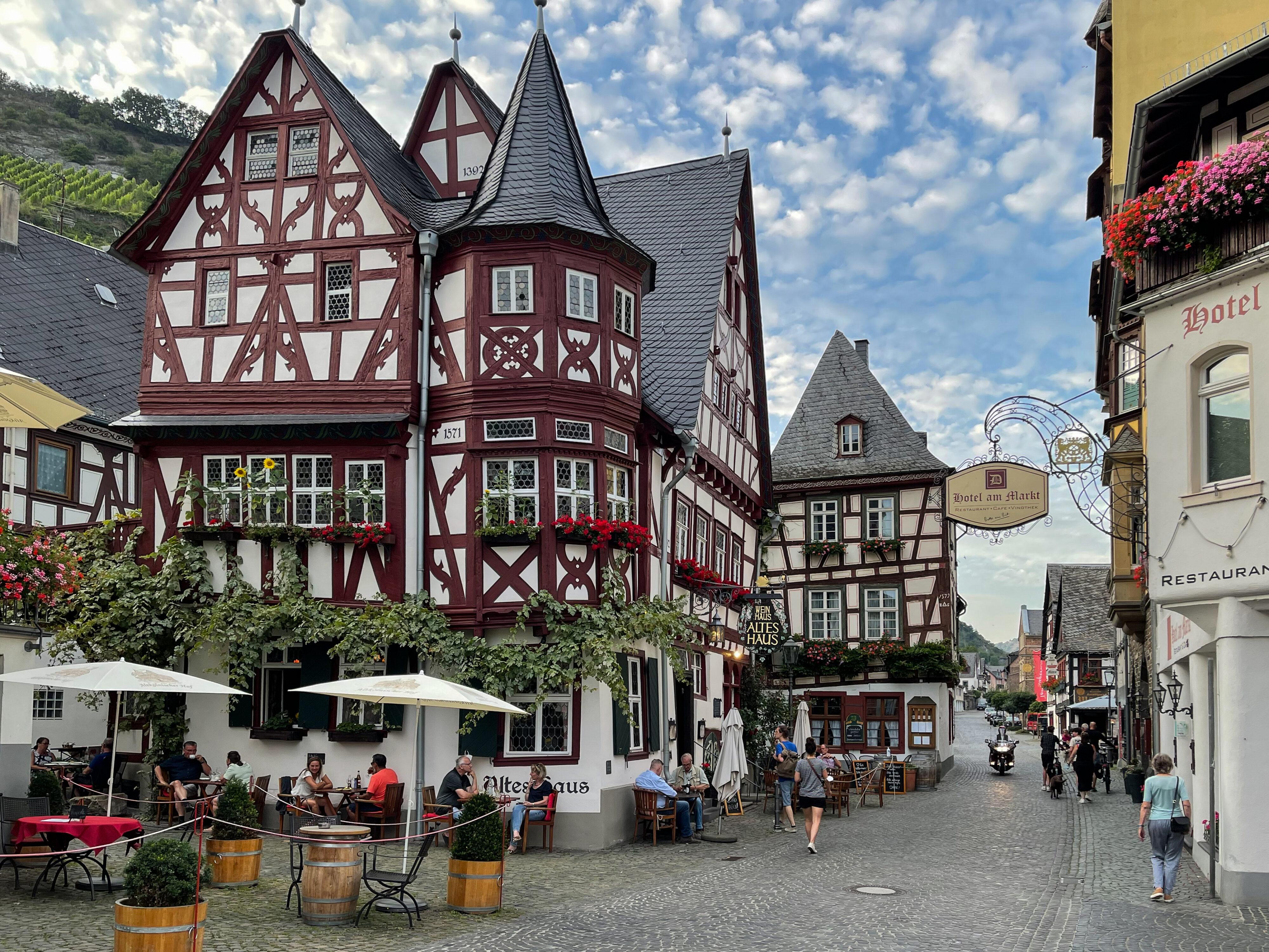 Bacharach – ein Schmuckstück der Rheinromantik: der Marktplatz